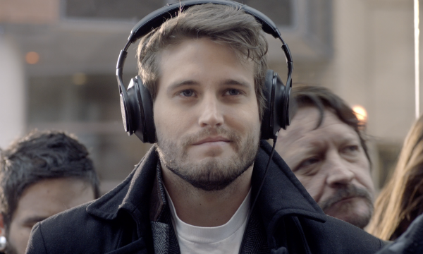 Spotify man with headphones